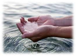 handswaterreflect